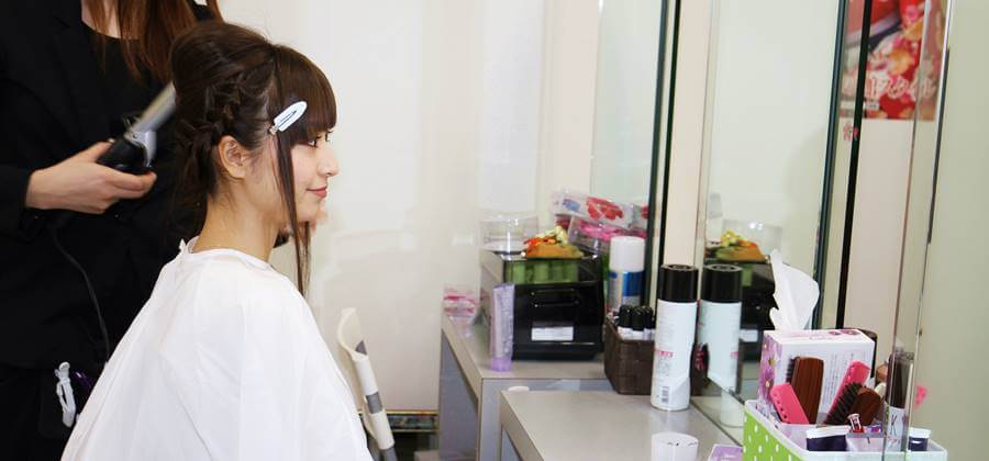 京あるき人気のヘアセットも10分で終わる早業
