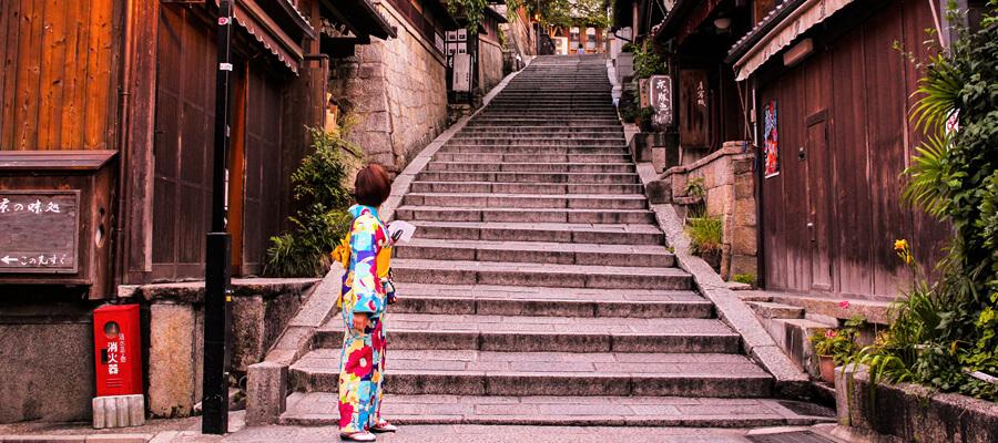 【京都駅】人気の着物レンタルプランとお店の選び方