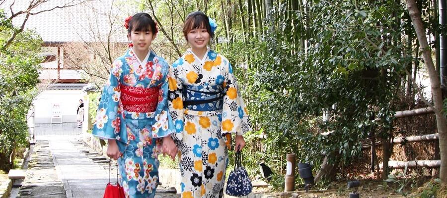 京都観光で人気の着物でロケ撮影